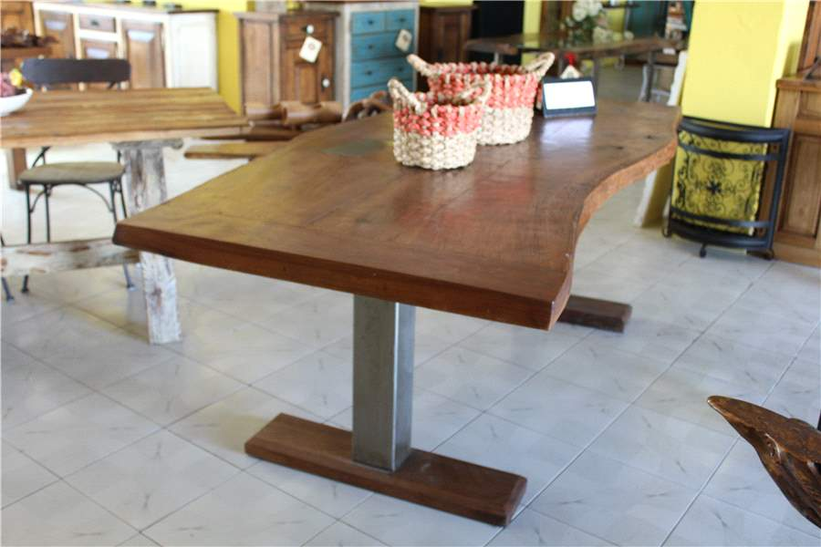 Table  irrégulier (T-21)